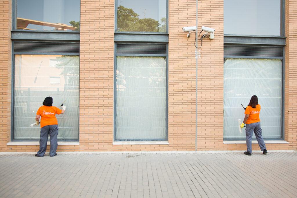 Jelos&Guadalaviar mantenimiento integral de edificios y limpieza